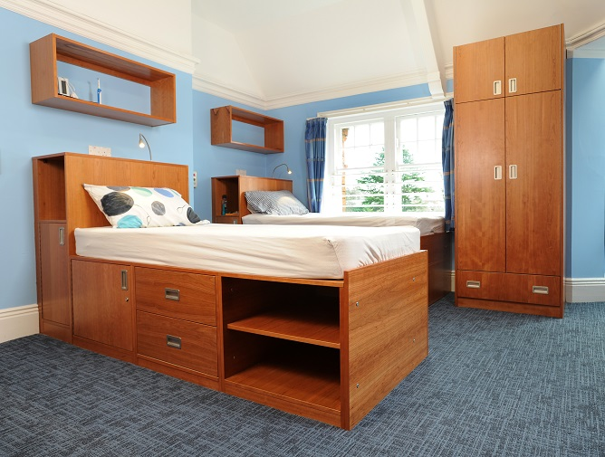 Rugby school Bedroom furniture for college students